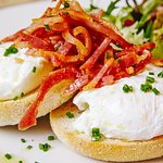 Toasted Muffin with Poached Eggs & Crispy Bacon Bits