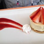 Dessert alle fragole con coulis