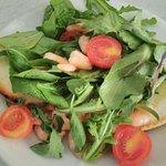 Bruschetta de gambas, rúcula y tomate (sin gluten)