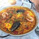 gamba and mussel paella