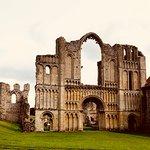 Castle Acre Priory صورة