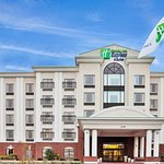 Holiday Inn Express & Suites Wilson-Downtown