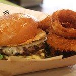 Mahaloha Burger Foto