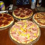 Excelentes pizza, sitio apropiado para ir en familia, buen ambiente trato súper amable y las sal