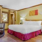 Inn Marin & Suites
