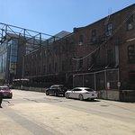 Bridgeport Brewery and Brewpub resmi