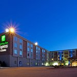 Holiday Inn Express Hotel & Suites West Mifflin