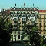 雷阿爾别墅酒店