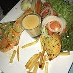 Фотография Phen's Restaurant Bar & Coffee
