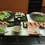 Foto de Momo Cafe at Courtyard by Marriott Bangkok