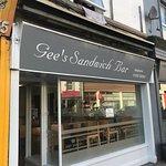 Gee's Sandwich Bar And Bistro