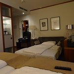 Cama supletoria enorme, camas dobles muy cómodas.