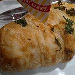 Croissant de Cream Cheese e Peito de Peru