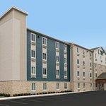 WoodSpring Suites Tampa Brandon