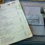 Menù e tavola apparecchiata