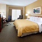 Country Inn & Suites by Radisson, Newark Airport, NJ