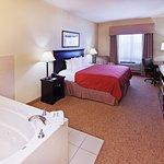 Country Inn & Suites by Radisson, Midland, TX