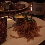 F.X. Buckley Steakhouse Restaurant at the Bull & Castle resmi