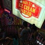 Фотография Main Street Ice Cream Parlor