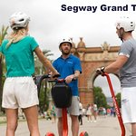 Chuyến tham quan bằng xe điện hai bánh (segway)