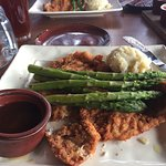 Schnitzel w/asparagus & mashed potatoes