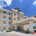 Holiday Inn Express & Suites Roanoke/Northlake