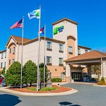Holiday Inn Express Hotels And Suites Albermarle
