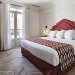 里賈納歐洲之星酒店