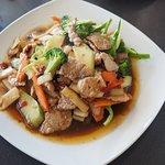 Stirred fried pork, vegetables and basil