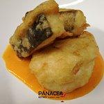 Merluzzo in tempura su crema di peperoni rossi