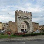 L' Arco di Augusto