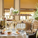Foto de Afternoon Tea at Corinthia Hotel London