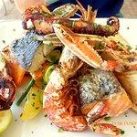 Poissons et crustacés grillés super