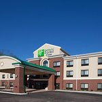 Holiday Inn Express Hotel & Suites Zanesville North