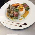 Duo de saumon et espadon, riz basmati, fagot d'haricots verts et sauce poisson maison ! Hum...