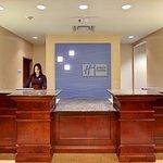 Holiday Inn Express Hotel & Suites Brockville