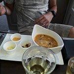 L'autre entrée, la soupe de poissons