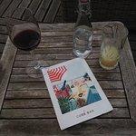 Excelent verre de vin + Pastis = 20€ environs (pas donné)