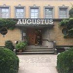 صورة فوتوغرافية لـ Villa Augustus