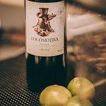 Vårt egna vin Locomotiva, från piemonte