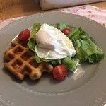 вафли с яицом пашот