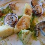 ormeaux, praires, St Jacques ail et persil avec écrasée de pomme de terre
