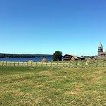 Вид на Кижский архитектурный ансамбль от часовни Архангела Михаила
