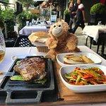 صورة فوتوغرافية لـ Sura Restaurant