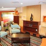 Holiday Inn Express Nashville W-I40 / Whitebridge Road