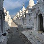 ภาพถ่ายของ Kuthodaw Pagoda & the World's Largest Book