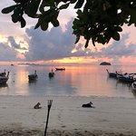 Sunrise Beach Restaurant Foto