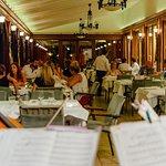 Restoran Rubin U zelenoj beogradskoj oazi, u srcu Košutnjaka, dovoljno daleko za čaroban pogled