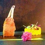 Carrè di Agnello in crosta di pan di spezie riso basmati salsa tandori