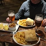 Steak Pie with Onion Rings and Garlic Bread washed down with Orkney Gold Ale.